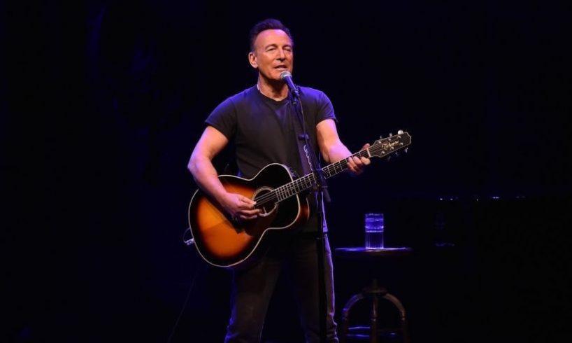 Usa, show di Springsteen a Broadway vietato ai vaccinati AstraZeneca: decisione fa discutere