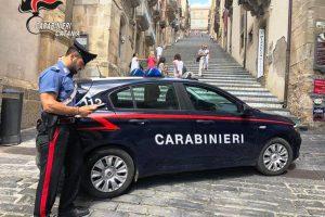 Caltagirone, arresto convalidato per l'accoltellatore di 47 anni: rinvenuta l'arma macchiata di sangue