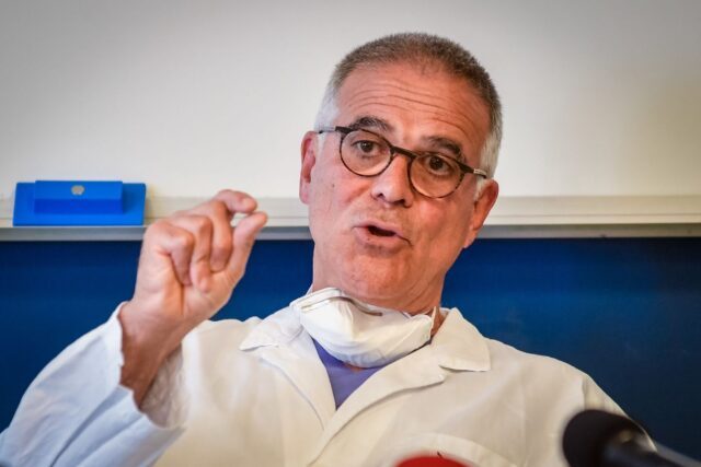 """Covid, Zangrillo lo dice di nuovo: """"Il virus è clinicamente inesistente, basta agli allarmismi"""""""
