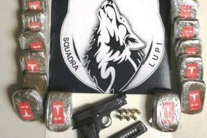 Catania, droga e una pistola rubata nascosti in casa: 'Squadra Lupi' arresta spacciatore 19enne