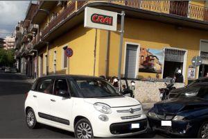 Paternò, scontro tra due auto in via Bellia: tre feriti non gravi