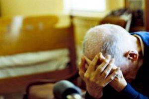 Acireale, schiaffi alla madre e spintoni al padre: in carcere 40enne violento