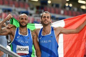 """Tokyo 2020: """"Ciao mondo, siamo i due campioni olimpici"""". Italia nella storia grazie a Jacobs e Tamberi"""