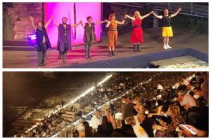 Al Teatro Antico di Catania gli attori tornano in scena con Lysistrata: emozione per l'opera di Aristofane