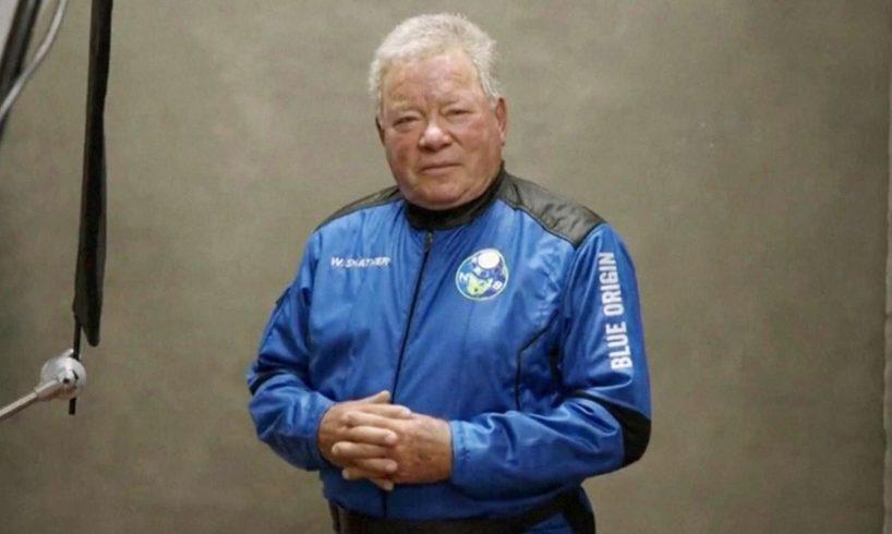Il Capitano Kirk a 90 anni vola davvero nello Spazio: batte il record di astronauta più anziano