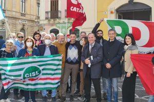 """Paternò, in Piazza Indipendenza presidio Pd contro tutti i fascismi: """"Città democratica non sta in silenzio"""""""