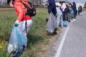 Paternò, domenica Plastic Free ripulisce la città con l'aiuto della Dusty: ecco come fare per aderire