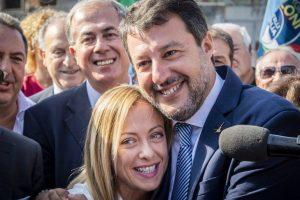 """L'audio rubato di Salvini su Meloni e la """"rottura di c…"""". Il leader della Lega: """"Non ci faranno litigare"""""""