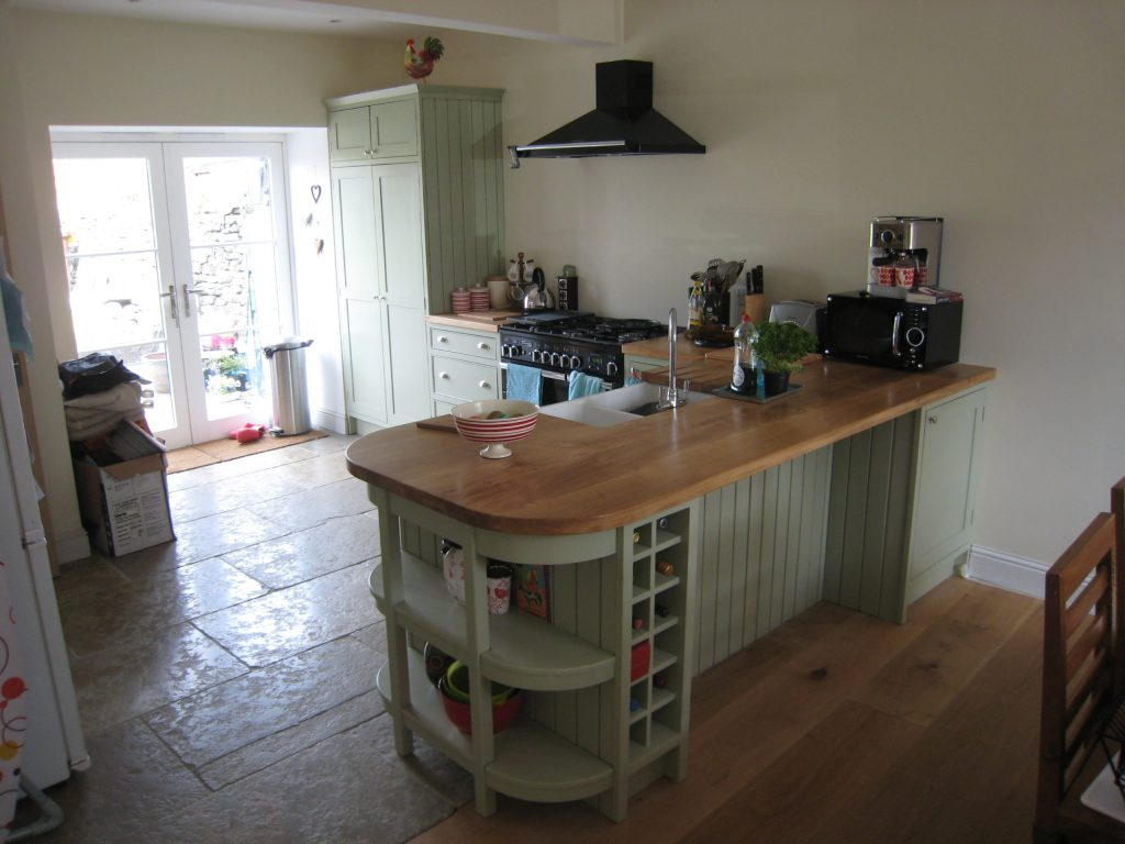 Shaker kitchen, oak worktops