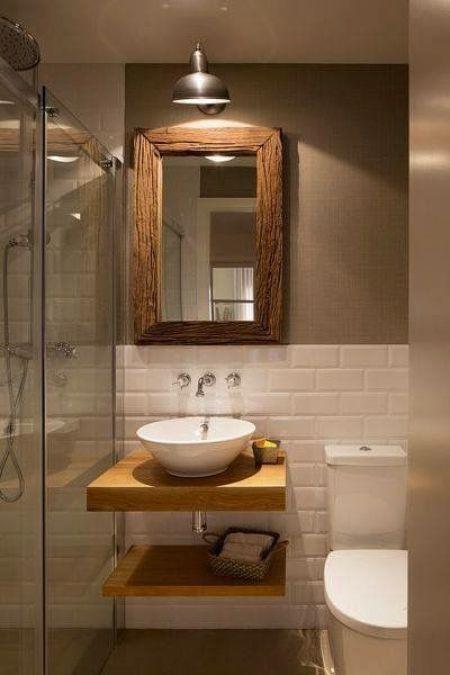 bagno quadrato e piccolo servizi igienici e doccia