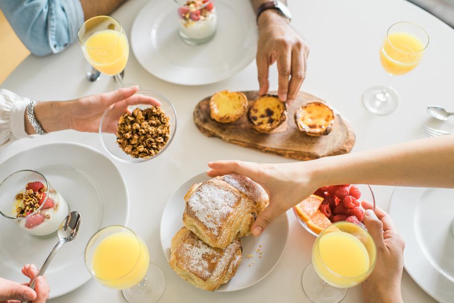 Mani a colazione