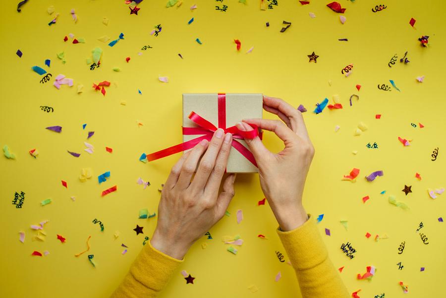 Mani e regalo