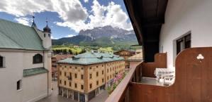 %name vista terrazza albergo cortina montana