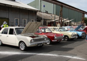 Small Ford Sunday 2017 IMG_1747s