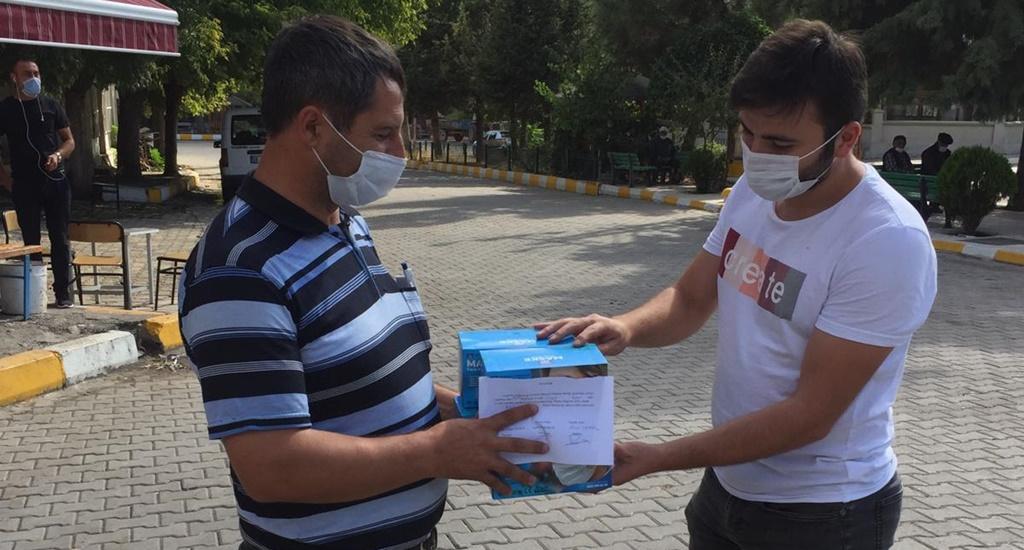 Laçin Kaymakamlığı Köylere Maske Dağıtıyor