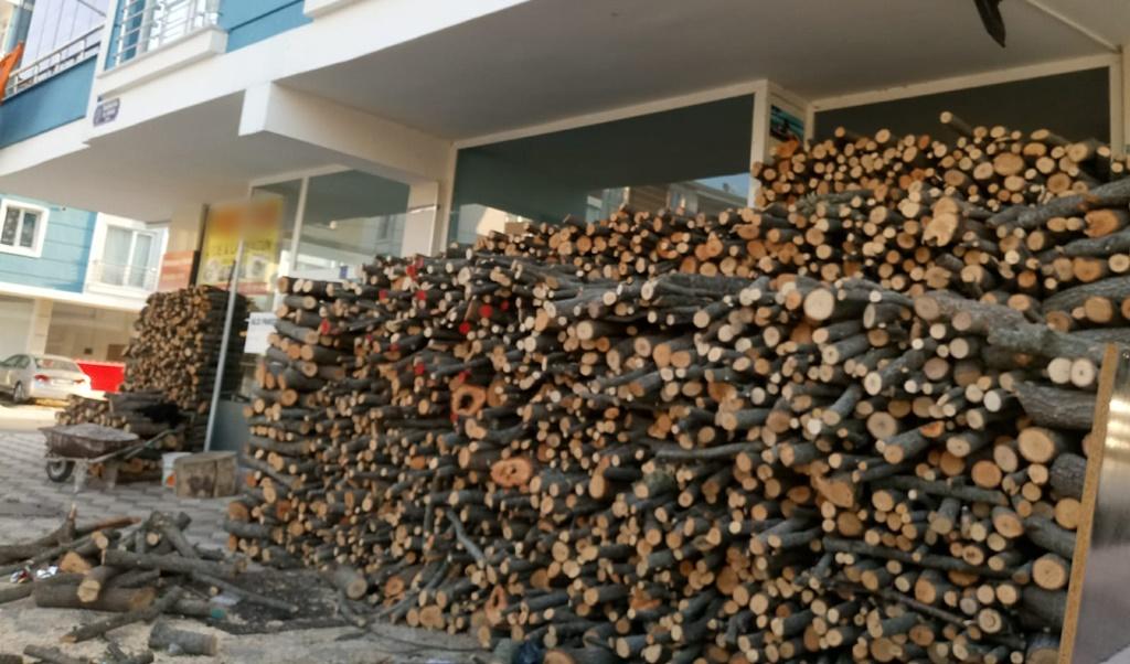 Bu Odunlar Yangına Davetiye Çıkarıyor
