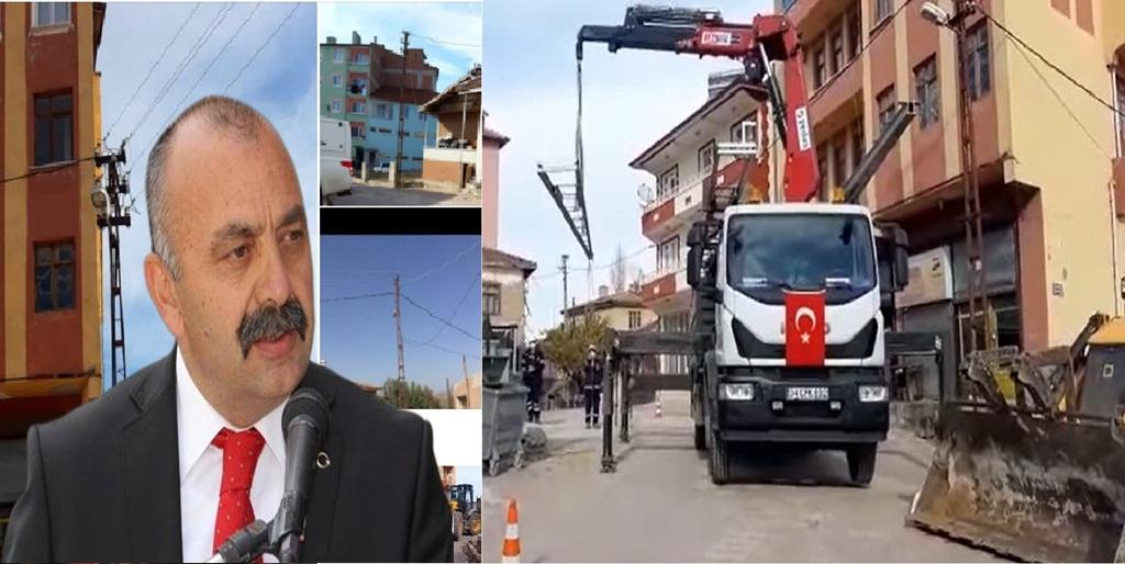 Ortaköy'de Elektrik Direkleri Yenileniyor
