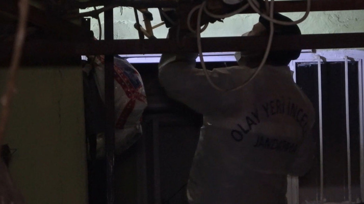 Evdeki eşyalar kendiliğinden tutuşuyor! Kırıkkale'de evin sırrını çözmeye çalışıyorlar