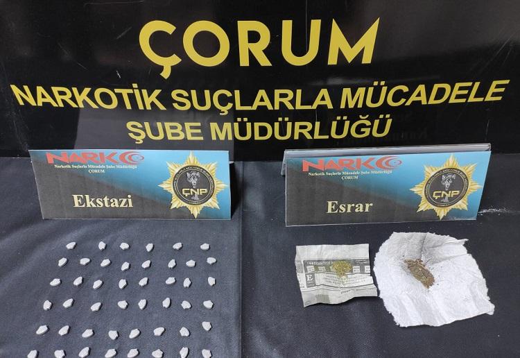 Uyuşturucu Satanlar Yakalandı