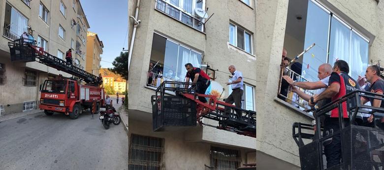 Balkon Demirlerine Sıkışan Çocuğu İtfaiye Kurtardı