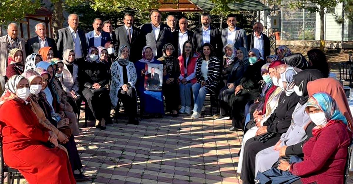 AK Kadınlar Uğurludağ'da İstişare Yaptı