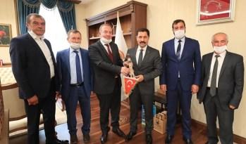 ÇORUMLU VALİ'YE ŞAHİNER'DEN ZİYARET