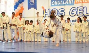 Yaz spor okullarına yoğun ilgi