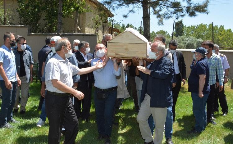 Arslan Kaya annesini kaybetti