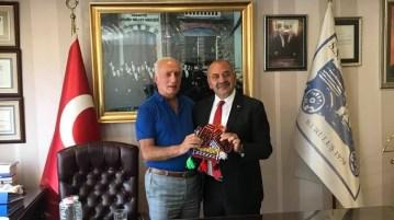 Başkan'dan Hamdi Çelik'e ziyaret