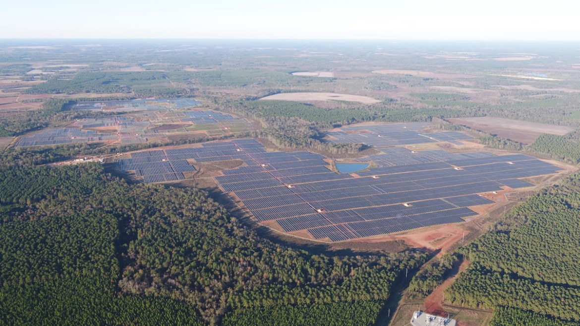 The Logan County facility will look similar to Silicon Ranch's 102.5 MWAC Bancroft Station Solar Farm in Early County, Georgia that supports Facebook's renewable energy goals for its Newton Data Center.