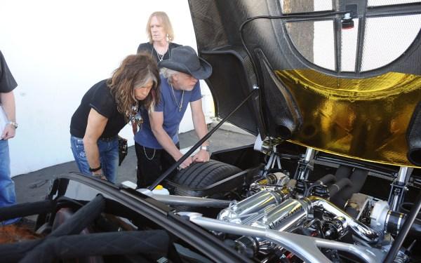 2012-Hennessey-Venom-GT-Spyder-engine-bay.jpg