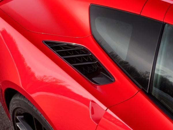 2014-chevy-corvette-stingray-c7-rear-fender-vent-05.jpg