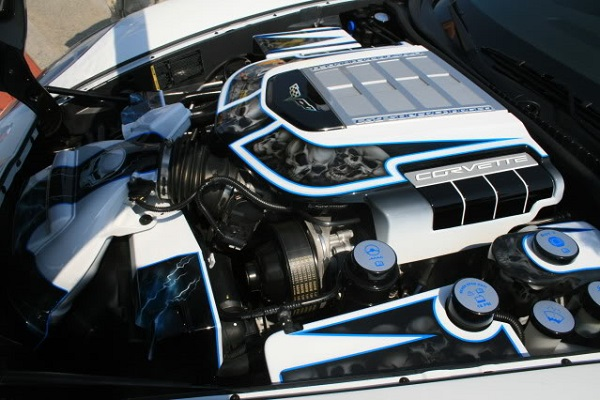 LisaZR1  engine bay