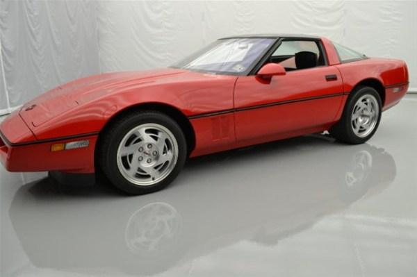 1990-Chevrolet-Corvette-ZR1-1