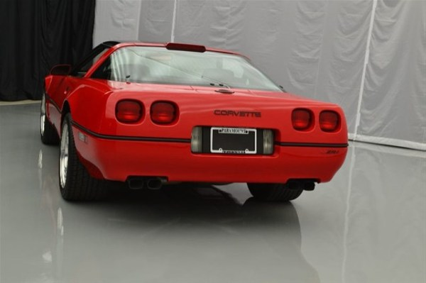 1990-Chevrolet-Corvette-ZR1-5