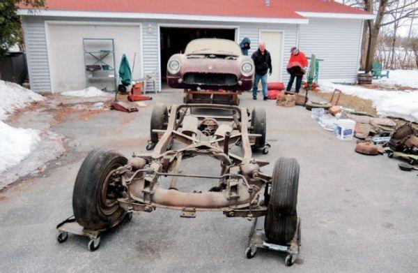1954-chevrolet-corvette-roadster-front-view