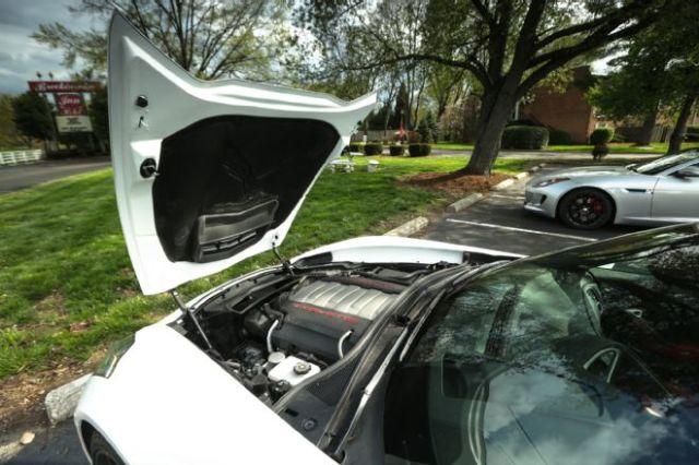 2014-chevrolet-corvette-stingray-engine-with-hood-open