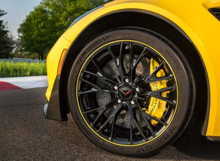 2016 Corvette Z06 C7-R Special Edition (1)