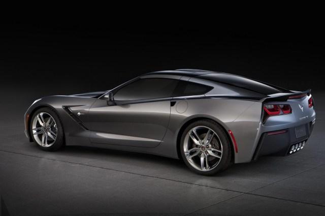 chevrolet-corvette-c7-rear-side_0