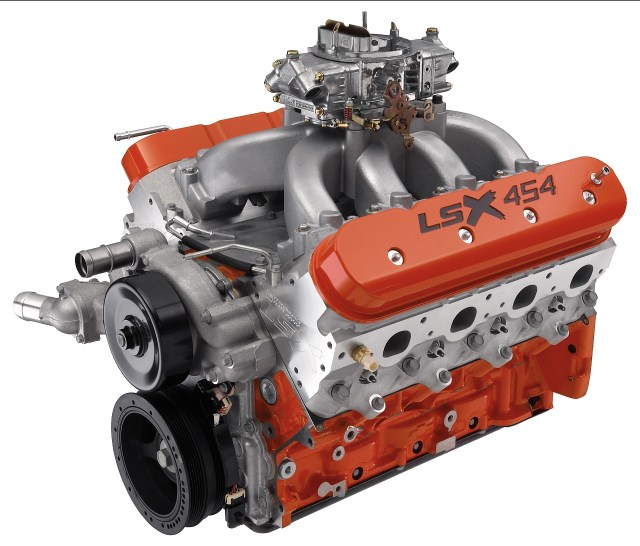 The all-new LSX 454 crate engine uses LSX forged rotating parts and a newly developed 0.635-inch-lift hydraulic roller cam, making this a monster LS engine in a classic cubic-inch combo. Through its four-barrel carburetor, itÕs rated at 620 horsepower.  X09SP_PA014