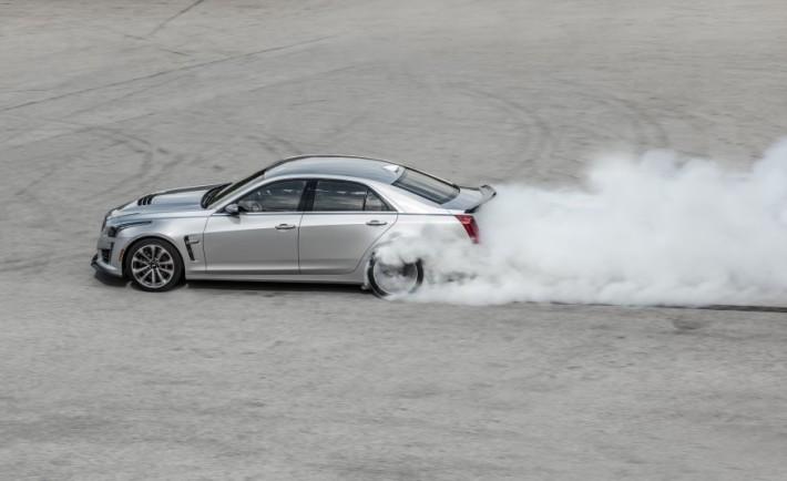 2016-Cadillac-CTS-V-110-876x535