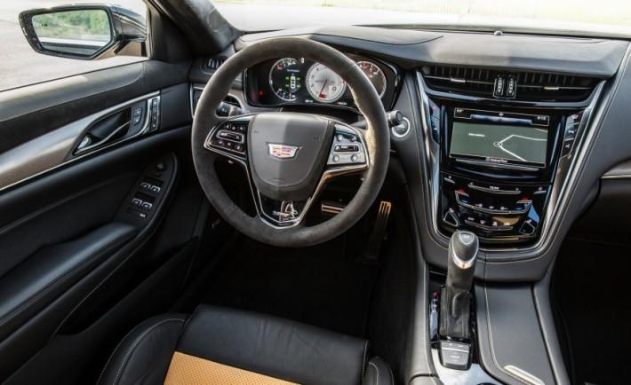 2016-Cadillac-CTS-V-125-876x535