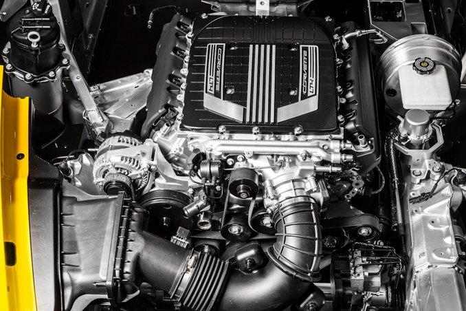2015-chevrolet-corvette-z06-inline3-photo-571955-s-original