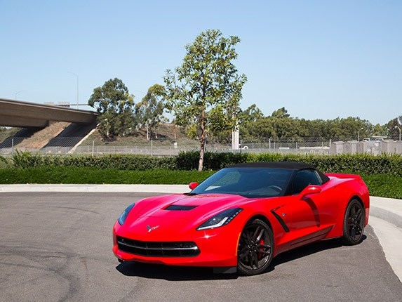 2016-chevrolet-corvette-sports-car-best-buy-05-600-001