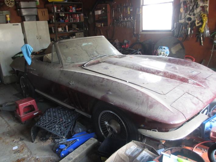 1966-Chevrolet-Corvette-Stingray-2
