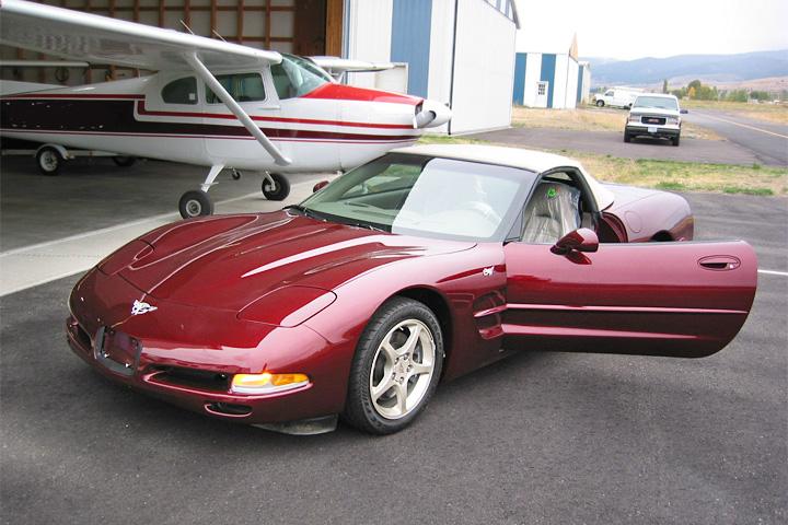 57-mile-2003-corvette-50th-1bf[1]