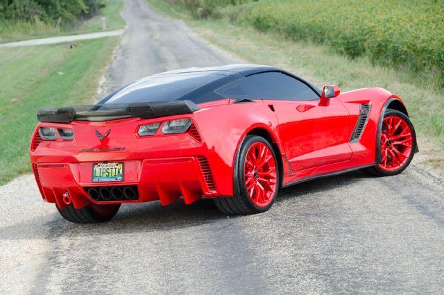 2016-chevrolet-corvette-rear-side