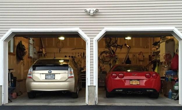 automotive_bipolarity_prius_corvette-featured
