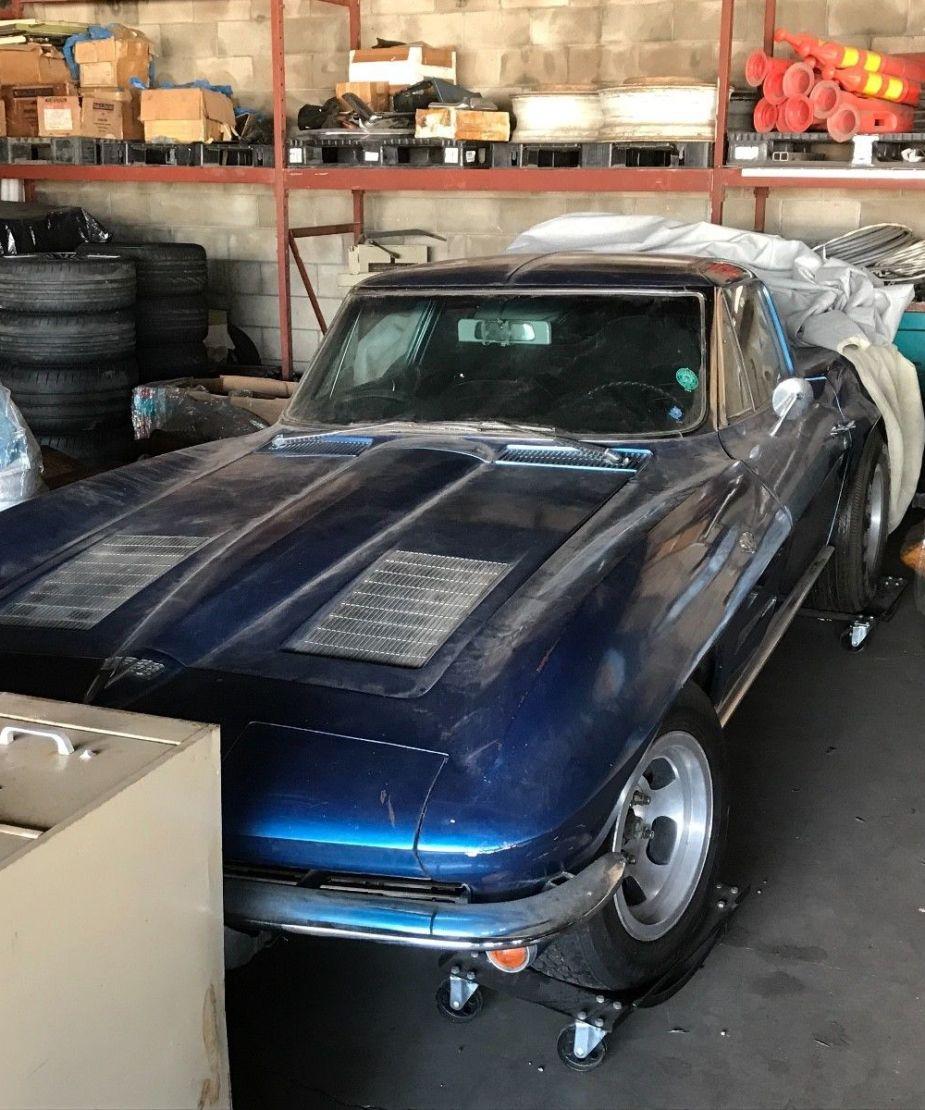 Split-window Corvette barn find in Hawaii