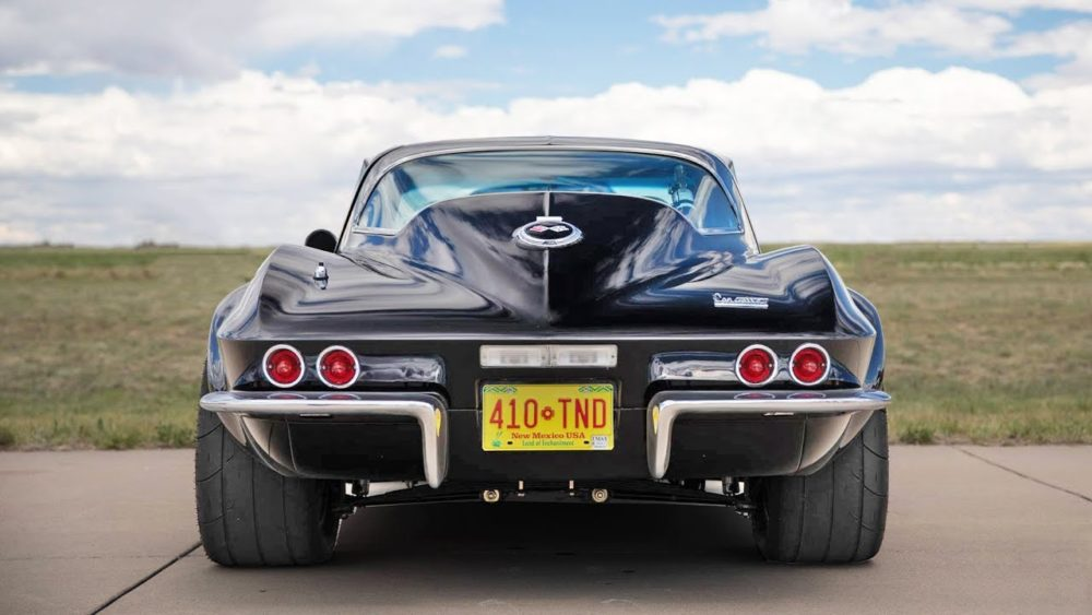 Twin Turbo LT1 C2 Corvette Lays Waste To Supercars